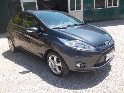 gebraucht Ford Fiesta 1.4 5 porte Bz.- GPL Titanium