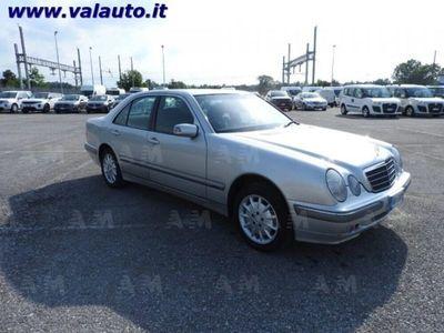 usata Mercedes E270 ClasseCDI cat Elegance del 2001 usata a Mondovi'
