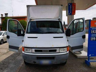 usata Iveco Daily 35C15 2.8 TDI PC-RG Cabinato 320000km