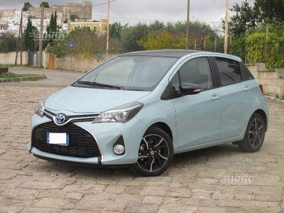 usata Toyota Yaris Hybrid Glamour