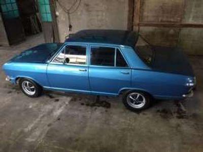usata Opel Kadett berlina benzina