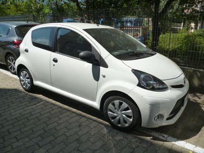 gebraucht Toyota Aygo 1.0 5 PORTE SOL NAVI !!!! NEOPATEN.OK !!OTTIMA