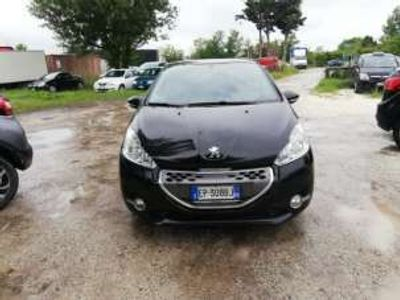 usata Peugeot 208 1.4 HDi 82000KM GUIDABILE DA NEO PA
