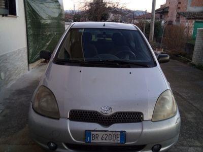 gebraucht Toyota Yaris 1.3i 16V cat 3 porte Luna