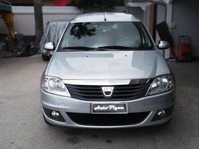 brugt Dacia Logan MCV Logan1.6 85CV GPL 7 posti Embleme