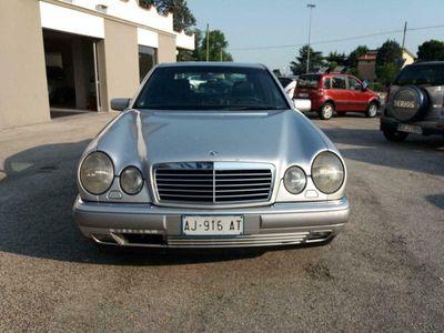 usata Mercedes E200 Serie EElegance