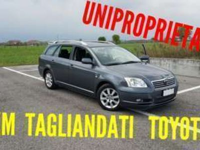 usata Toyota Avensis 2.2 d-cat station wagon diesel