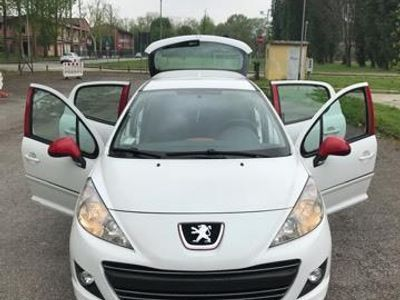 usado Peugeot 207 2071.4 HDi 5p Special Edition Connected by Nokia