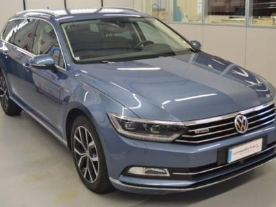 usata VW Passat Variant 2.0 BiTDI 4MOT. DSG Highline BlueMotion Tech.