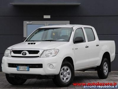 usado Toyota HiLux 2.5 D-4D 4WD 4p. Double Cab DLX