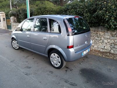 usata Opel Meriva 1.3 MJ 75 cv.idonea neo patentati.2007