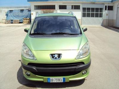 usado Peugeot 1007 1.4 HDI HAPPY 3/P - OK NEOPATENTATI