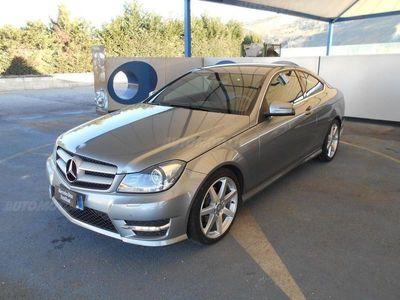używany Mercedes 220 Classe C CoupéCDI Coupé Avantgarde del 2013 usata a Rende