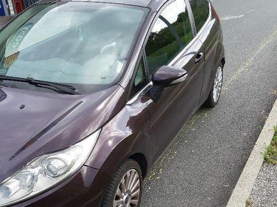 used Ford Fiesta 1.2 titanium 3p. GPL full