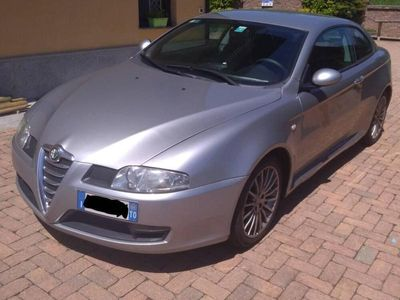 usata Alfa Romeo GT 1.9 MJT 16V Distinctive usato