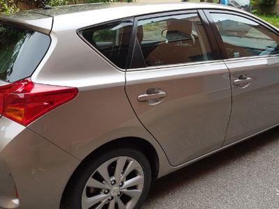 brugt Toyota Auris Hybrid 1.8