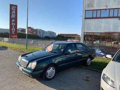 usata Mercedes E290 ADVANGARDE