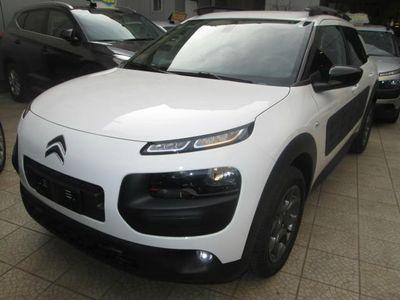 begagnad Citroën C4 Cactus BlueHDi 100 S&S 100CV SHINE + NAVY
