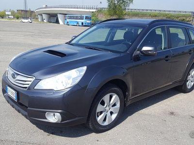 usata Subaru Outback 2,0 D Exclusive Navy 4x4- 2013