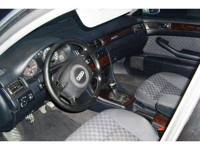usata Audi A6 2.5 V6 TDI cat Avant quattro