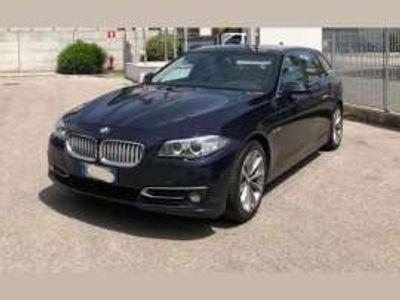 usata BMW 520 xDrive Touring Modern 184 CV (135 kW)
