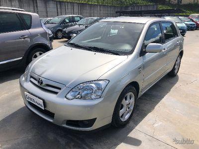 usado Toyota Corolla 1.4 D-4D 90cv M-MT /automatica