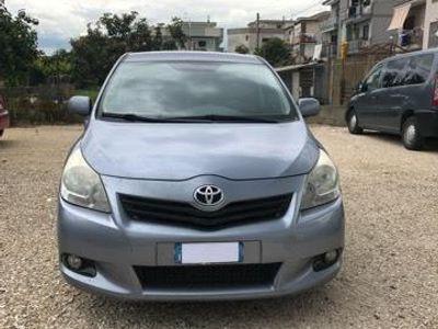 usata Toyota Verso 2.0 D Sol 7 posti
