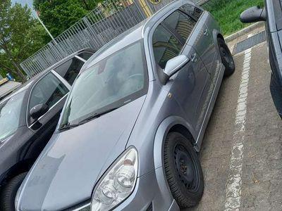 usata Opel Antara astra