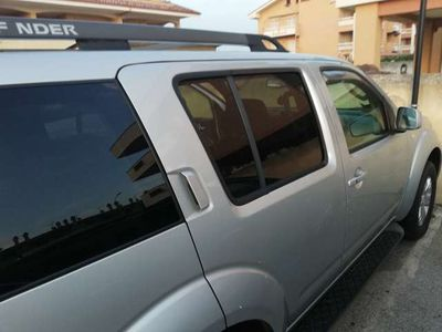 used Nissan Pathfinder 2.5 dCi LE