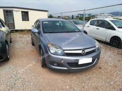 usata Opel Astra GTC 1.7 cdti 101cv 3 porte sport diesel