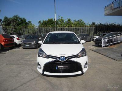 begagnad Toyota Yaris 1.5 Hybrid 5 porte Active