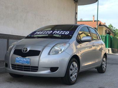 begagnad Toyota Yaris 1000 2009 km cert full opt