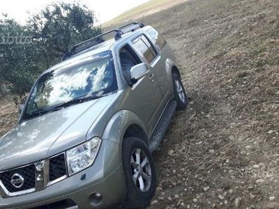second-hand Nissan Pathfinder 2.5 dCi LE