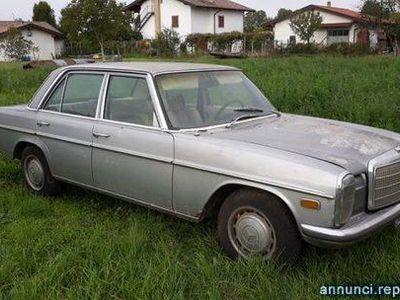 usata Mercedes W115 2304 cilindri 2.3 CLIMA da restaurare Codroipo