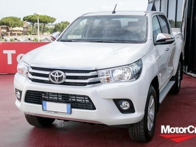 brugt Toyota HiLux Pick-up 2.D-4D A/T 4WD porte Double Cab Executive nuova a Roma