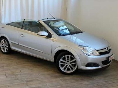 usata Opel Astra Cabriolet 1.6 BENZINA TWINTOP COSMO