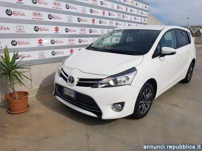 używany Toyota Avensis Verso 1.6 Active 7 posti Cagliari