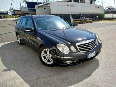usata Mercedes E220 evo 170 CV con gancio