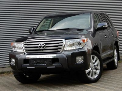 second-hand Toyota Land Cruiser V8 Land Cruiser V8 4.5 AT 7 posti Lounge4.5 AT 7 posti Lounge