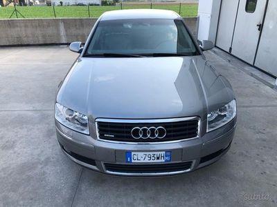 begagnad Audi A8L 4.2 V8 FSI quattro tiptronic
