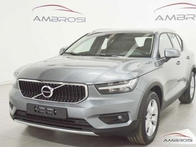 used Volvo XC40 D3 AWD Geartronic Momentum nuova a Corciano
