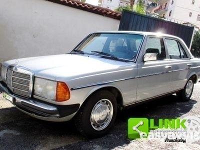 używany Mercedes 200 (W123) Classe(1981) CONSERVATO