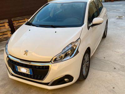 usata Peugeot 208 1.6 Diesel restyling