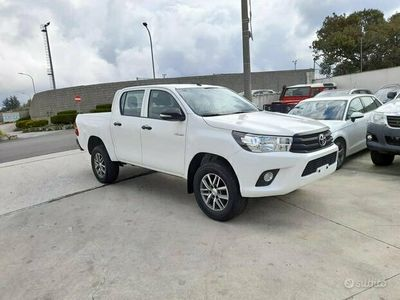 usata Toyota HiLux 2.4 d-4d 150 cv - 2017