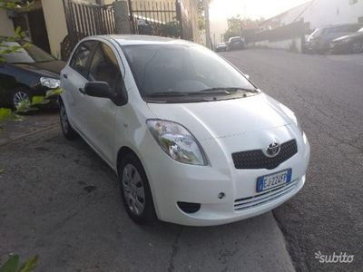 second-hand Toyota Yaris 1.0 5 Porte Active ANNO 2011