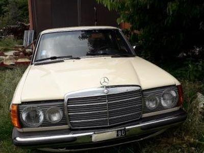 usata Mercedes 240 D STORICA DI UNICOPR. CON SOLI 165000 KM ORIGINALI