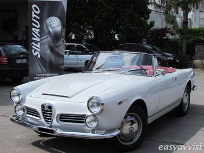 brugt Alfa Romeo 2600 giuliaspider touring tipo 106.01 iscritta r.i.a.r. benzina