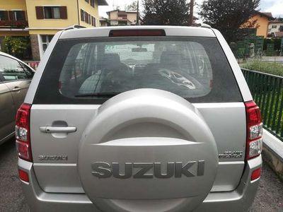 "usata Suzuki Grand Vitara 1.9 DDiS 5 porte ""xenon, cruise contr., keyless,"""