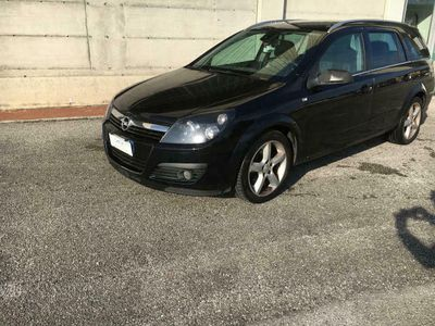 usata Opel Astra 1.9 16V CDTI 150CV Station Wagon C