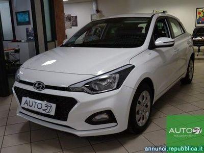 gebraucht Hyundai i20 1.2 5 porte - X NEOPATENTATI
